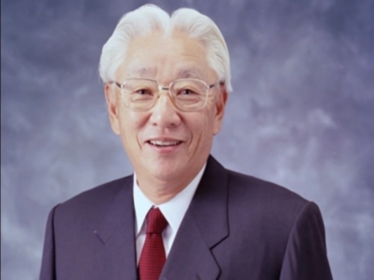 akio morita is best known as the engineer who invented the sony walkman in the late 1970s.-1