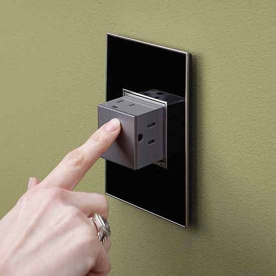who is credited with inventing the technology for the modern light switch?-2