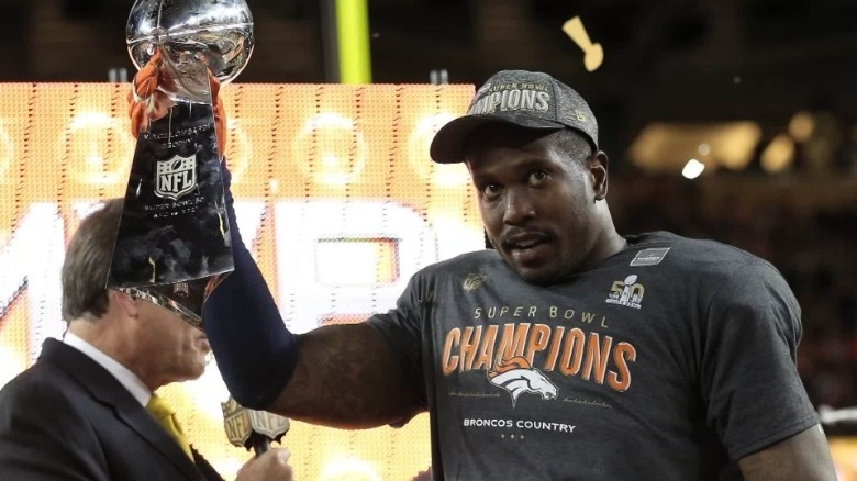 who is favored to win the 2016 super bowl-4