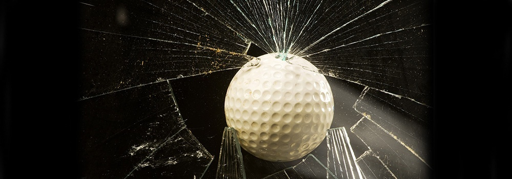 who is liable when a golf ball breaks a window-1