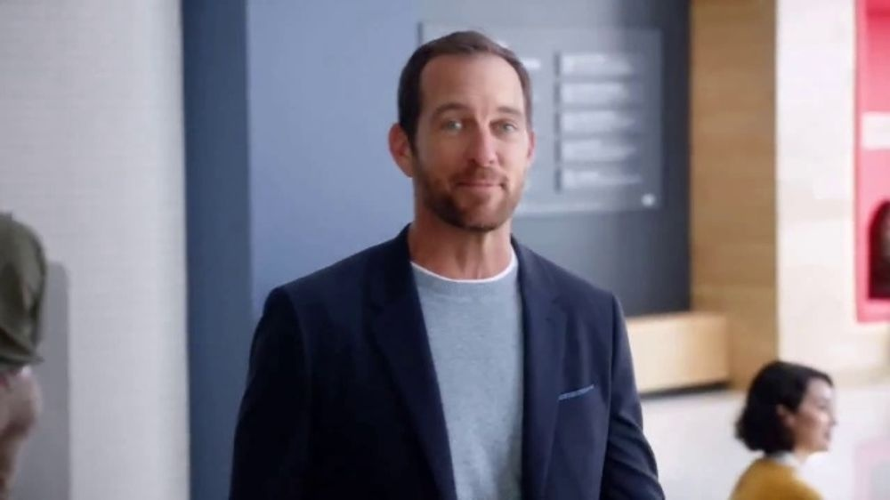 who is the guy in the capital one commercials-1